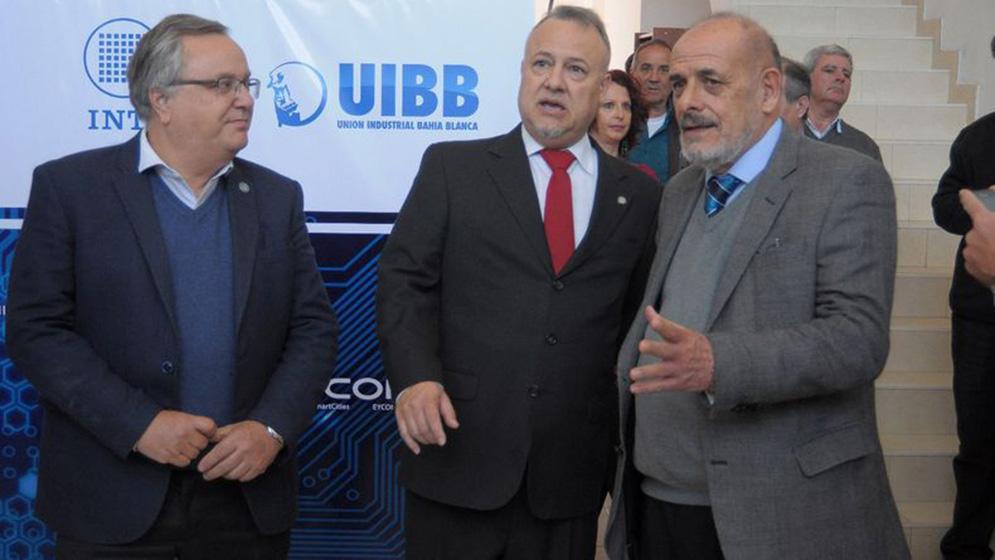 Presentan-en-Bahía-Blanca-una-iniciativa-publico-privada-en-Tecnología-Electrónica-de-Alta-Complejidad